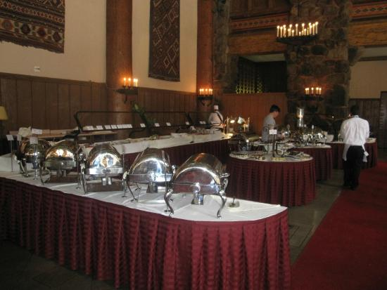 The Majestic Yosemite Dining Room: Buffet Tables