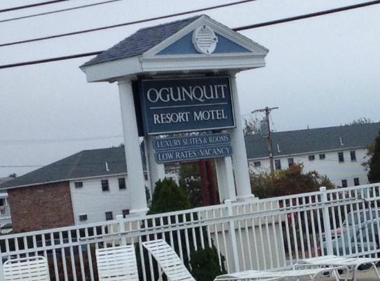 Ogunquit Resort Motel roadside sign.