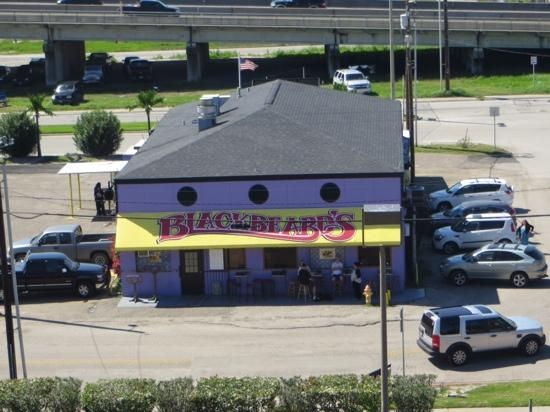 Blackbeard's On The Beach: As viewed from the Radisson across the parking lot