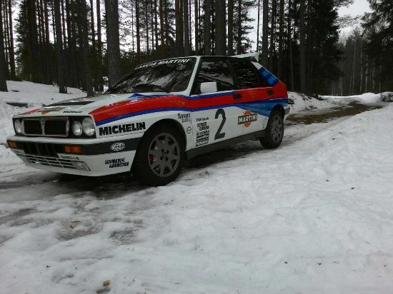 Finnskogen Turist & Villmarksenter: Rallybil på plass