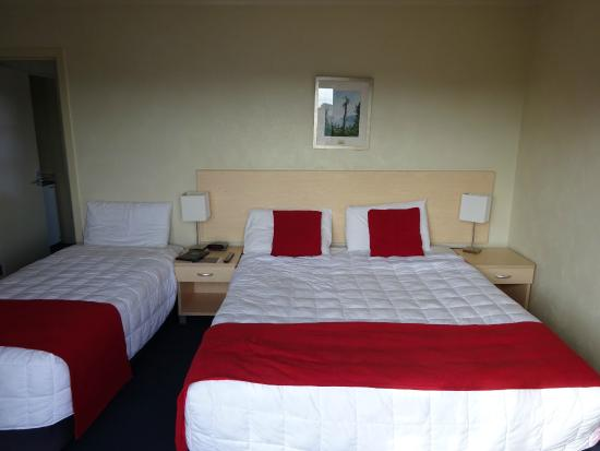 Abbots Hamilton Hotel and Conference Centre: Beds
