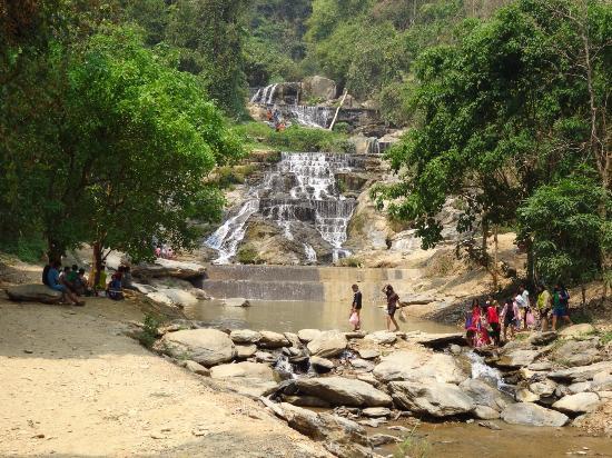 Laplae, Thailand: Jolie petite cascade
