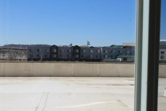 Hilton Garden Inn Omaha East/Council Bluffs: The view from our window.