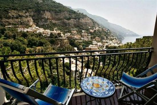 UNA DELLE TERRAZZE PANORAMICHE - Picture of Hotel Royal Positano ...