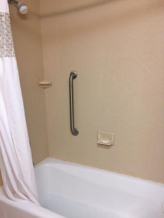Hampton Inn Madison: Nice showers