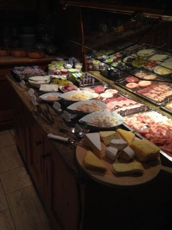 Hotel Restaurant Dreiflussehof: Een deel van het ontbijt, 4 euro per persoon