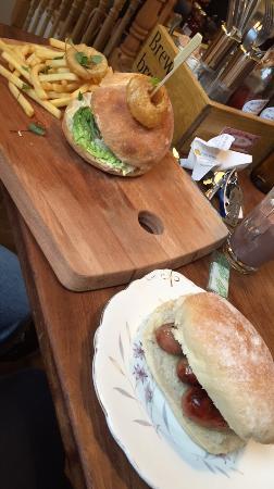 Brew Brothers: Sausage bun & burger ��