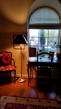 Excelsior Inn: Frederick Chopin room
