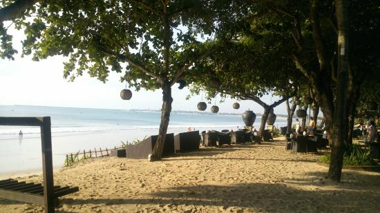 INTERCONTINENTAL Bali Resort: View of Jimbaran Bay from the Sunset Bar