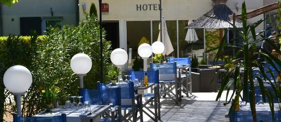Restaurant Les Alpes Gréoux Terrasse