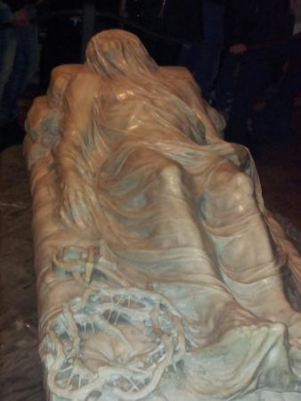 Cappella Sansevero: Emozionante opera del giovane scultore napoletano Sanmartino