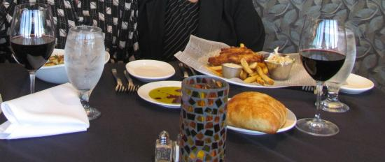 Chinook's Seafood Grill: excellent fish and chips