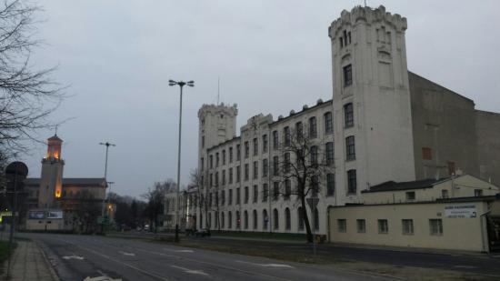 Hotel Focus Lodz: Hotel Außenansicht