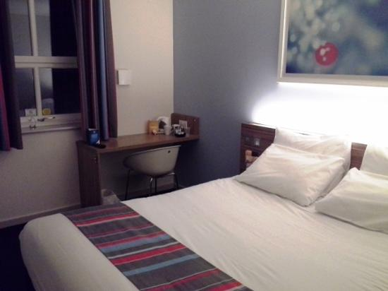 Travelodge Wellington Somerset Hotel: Bedroom 212