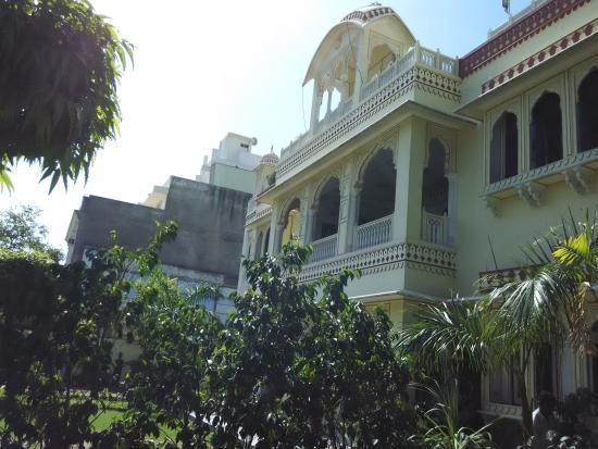 Krishna Palace: Front view.