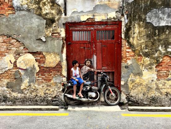 Hard Rock Hotel Penang : This is the popular street art you can find in the Armenian Street area in downtown Penang. Well