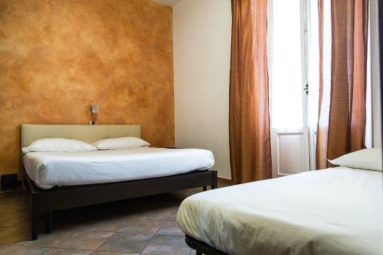 Il Corso Bed and Breakfast: camera arancione