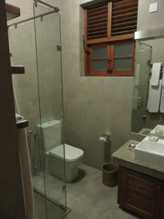 Clove Villa: Bathroom
