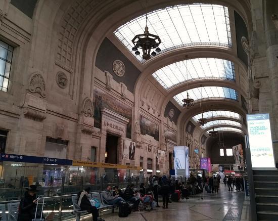 Busy Central Station Foto Di Milano Centrale Milano