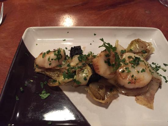 La Garrigue: Scallops with black pudding