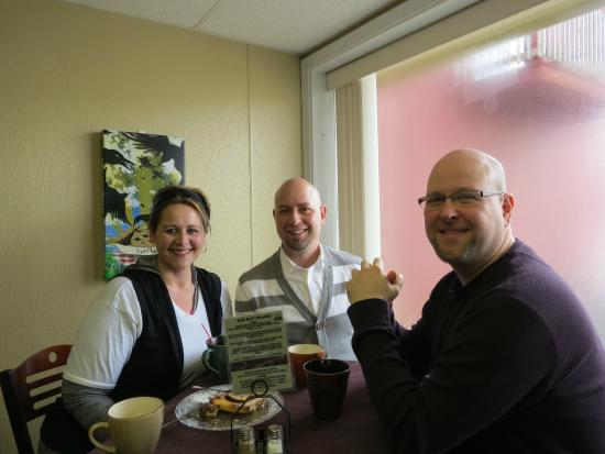 OCB Cakes Bakery & Coffee Shop: Happy Customers