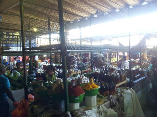 Ilheus, BA: Vista geral de parte do mercado