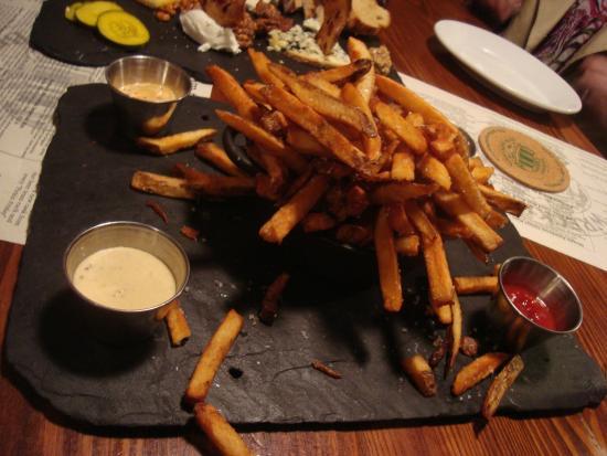 Wrecking Bar Brewpub: Wrecking Bar Fries