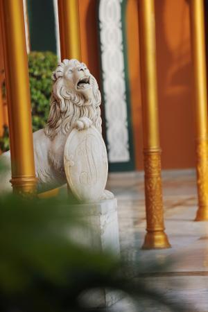 Cairo Marriott Hotel & Omar Khayyam Casino: Marble Lion