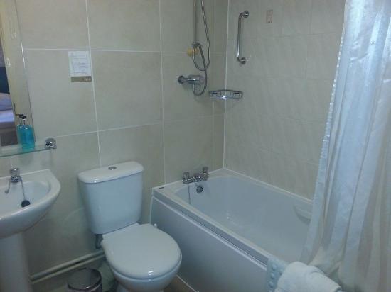 Millers Hotel: very clean bathroom facilities