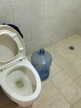Paradise Inn: Cisterna auxiliar para la noche