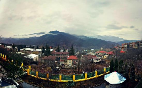 Casa Nova Hotel: Fantastic view from balcony at Casanova Inn, Dilijan