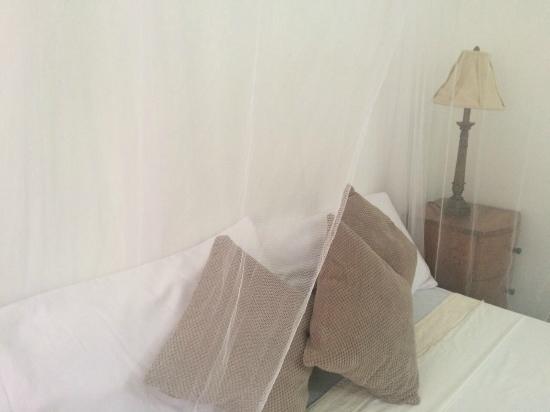 Garden House Jamaica: Bed