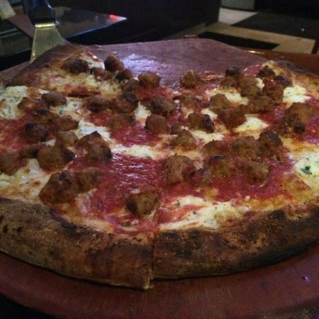 Anthony's Coal Fired Pizza: Meatball & Ricotta Pizza