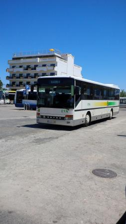 Hotel Marina Rio : Standing in front of the Lagos Bus station. Theres in the incoming Eva bus and Marina Rio right