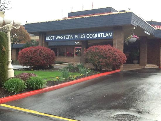 Best Western Plus Coquitlam Inn Convention Centre: Hotel entrance.
