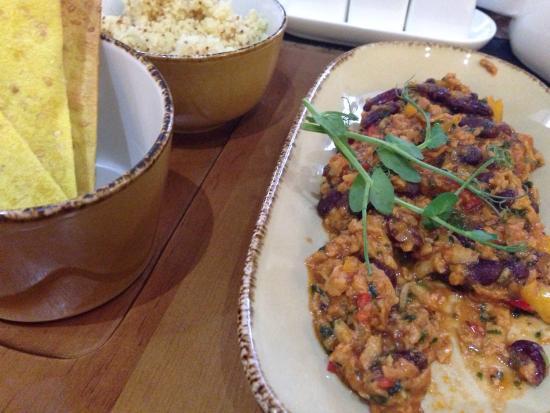 Imbir' : Seitan with beans and quinoa