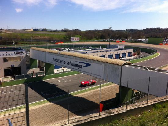 Circuito Vallelunga : Circuito di vallelunga in italia il settembre touring
