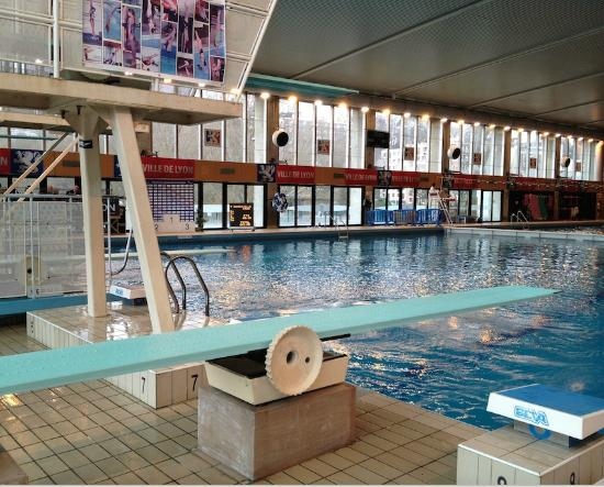 Piscine de vaise lyon france updated 2018 top tips for Piscine de vaise