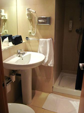 Hotel Infanta Mercedes : Zimmer 212