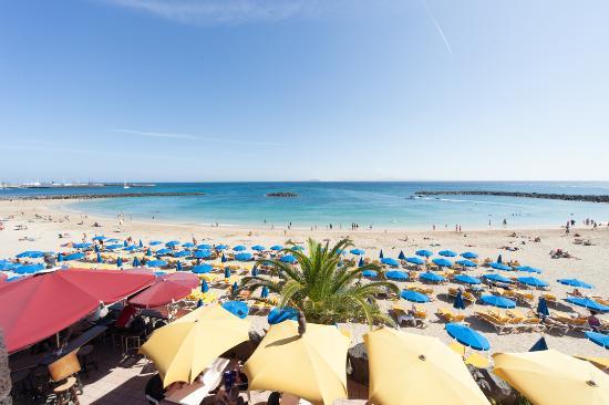 Princesa Yaiza Suite Hotel Resort: The beach close to the hotel