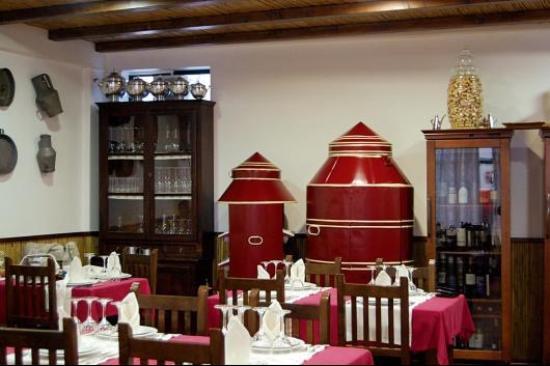 A talha de Azeite: A sala de comer.