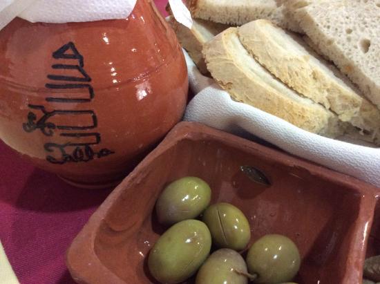 A talha de Azeite: As azeitonas de entrada...
