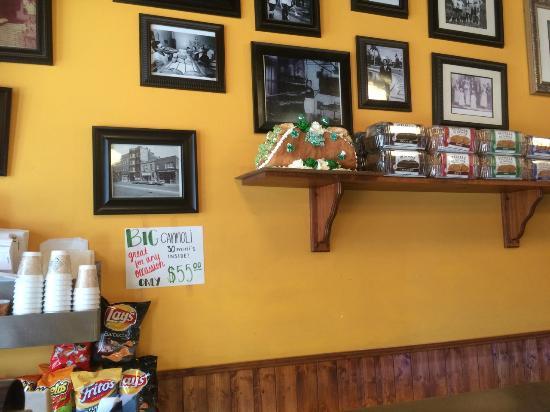 D'Amato's Bakery: Big Connoli