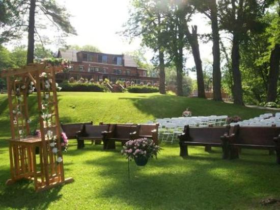 Richfield Springs, État de New York : outdoor wedding