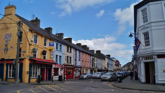 Bay View House Bed & Breakfast: Clonakilty town centre