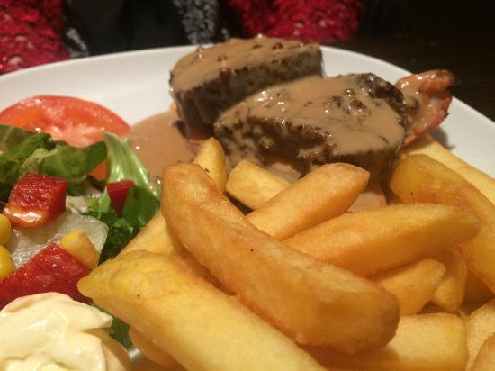 Crown Inn: Chicken with pepper and whisky sauce