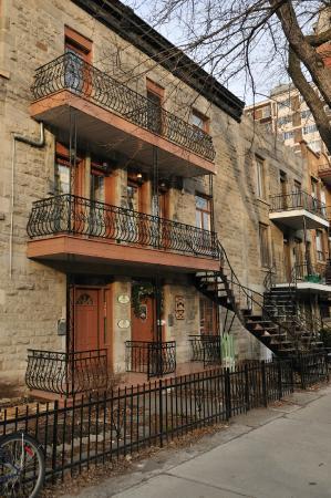 Accueil Chez Francois B&B: La vue de la rue en hiver