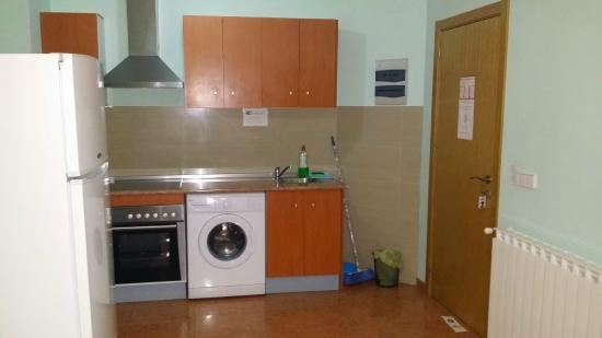 Hotel Ramon y Cajal: cocina acogedora limpísima