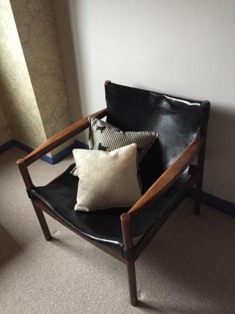 Pelham Hall Bed & Breakfast: Labrador sitting room