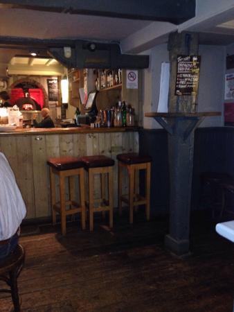 The Horseshoe Inn: Warm bar